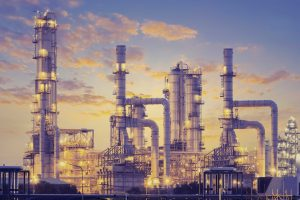 Como funciona uma refinaria de petróleo?